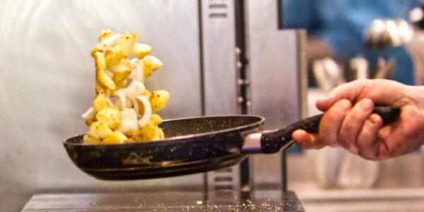Bratkartoffel frisch aus der Pfanne – mobee liefert in Osnabrück