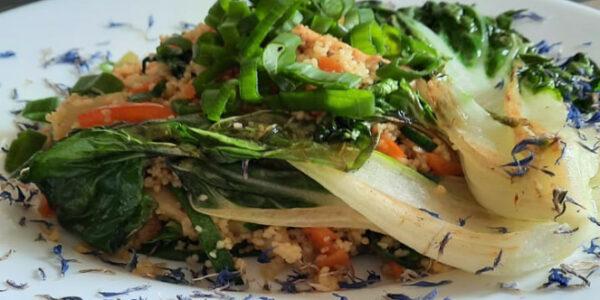 gegrillter Pakchoi mit Couscous vegan